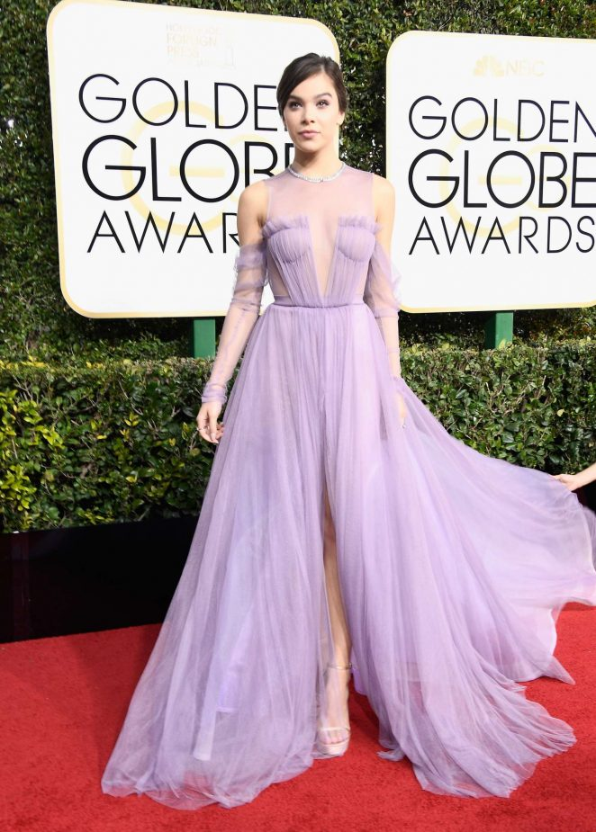 Hailee Steinfeld wears sheer Vera Wang gown to the 2017 Golden Globes