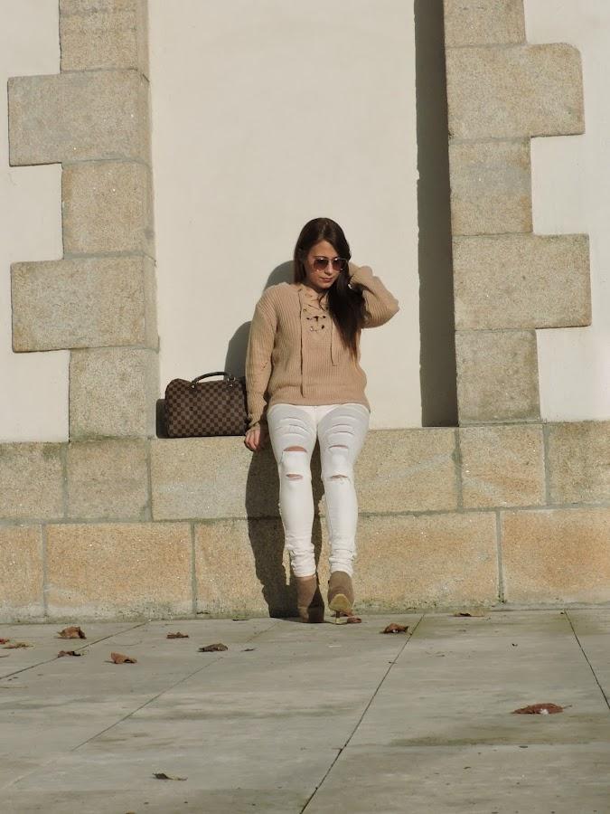 suéter beig