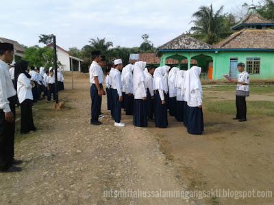 Pelantikan anggota OSIS MTs Miftahussalam masa jabatan 2016/2017