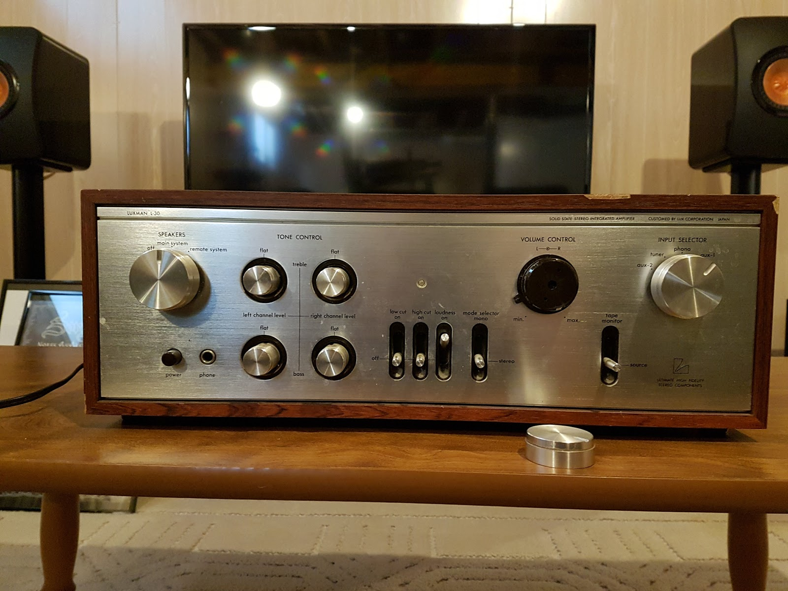 Brahm Rebuilding A 1977 Luxman L 30 Stereo Amplifier Audio Basics Modern System Has Two I Took The Amp Apart For First Time And Cleaned Potentiometers With Deoxit Miracle Contact Cleaner After Turning Each Knob Back Forth About