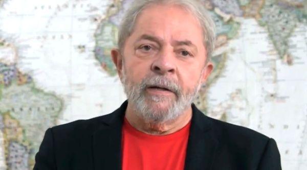 Defensa de Lula trabaja para recuperar su pasaporte confiscado