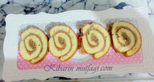 elmalı rulo kek nasıl yapılır,Elmalı rulo kek tarifi , elmalı rulo pasta tarifi, elmalı rulo kek tarifi, rulo kek nasıl yapılır resimli anlatım