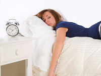 Wanita Harus Tau! Ini Bahaya Tidur Memakai Bra Dan Celana Dalam