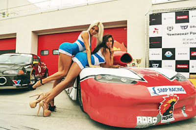 Motorsports girls