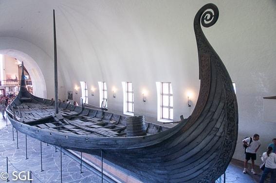 Barco de Oseberg del museo Vikingo de Oslo