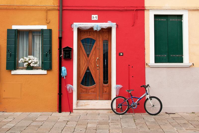détail d'une porte colorée de Burano