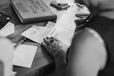 estructura literaria-figuras literarias-estilos literarios-reseñas-reseñas poéticas-poesía-Marian Ruiz