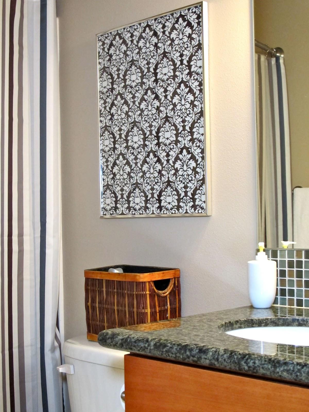 BluKatKraft: DIY Quick Easy Wall Art For Bathroom