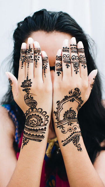 Mehndi Wedding design for hand