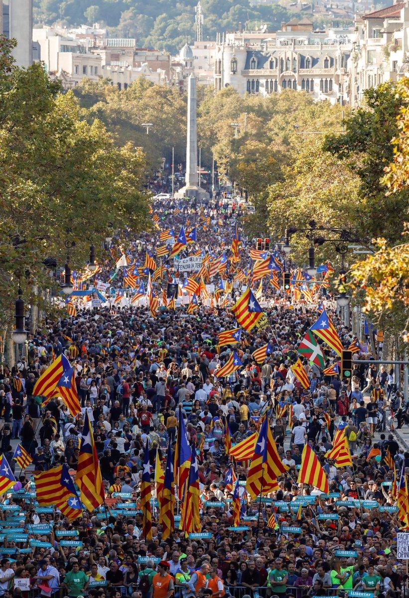 450.000 personnes manifestent à Barcelone pour réclamer l'indépendance selon la police