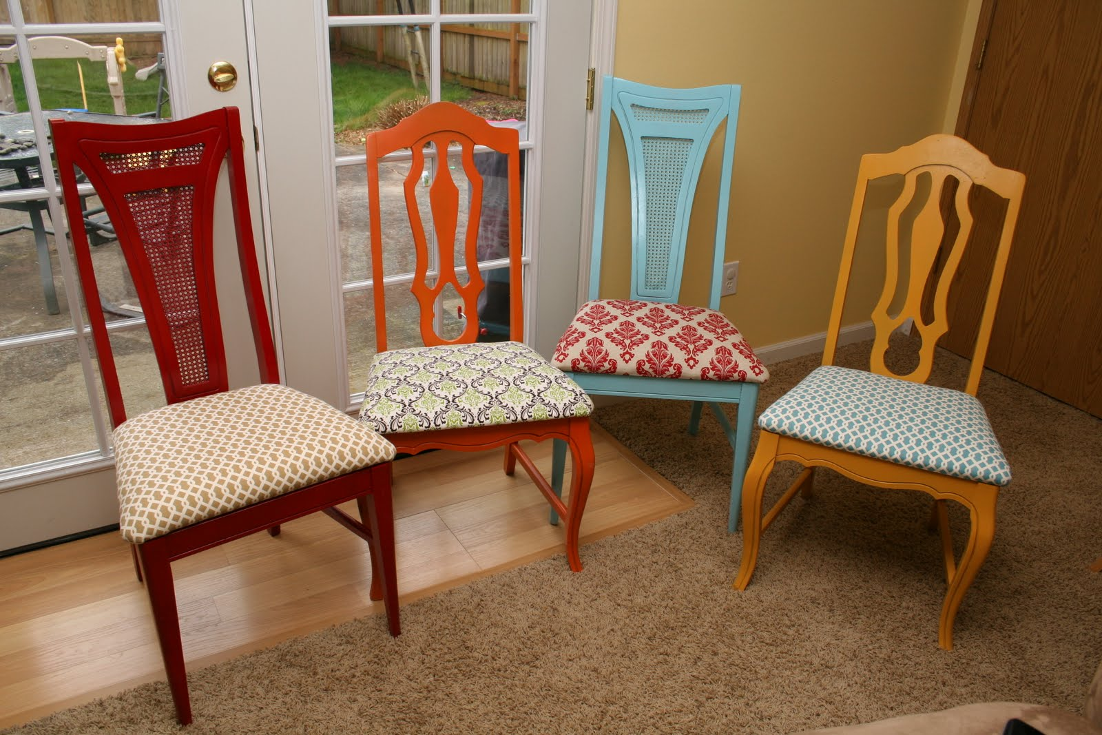Feature Friday: Kitchen Table and Chairs Redo!