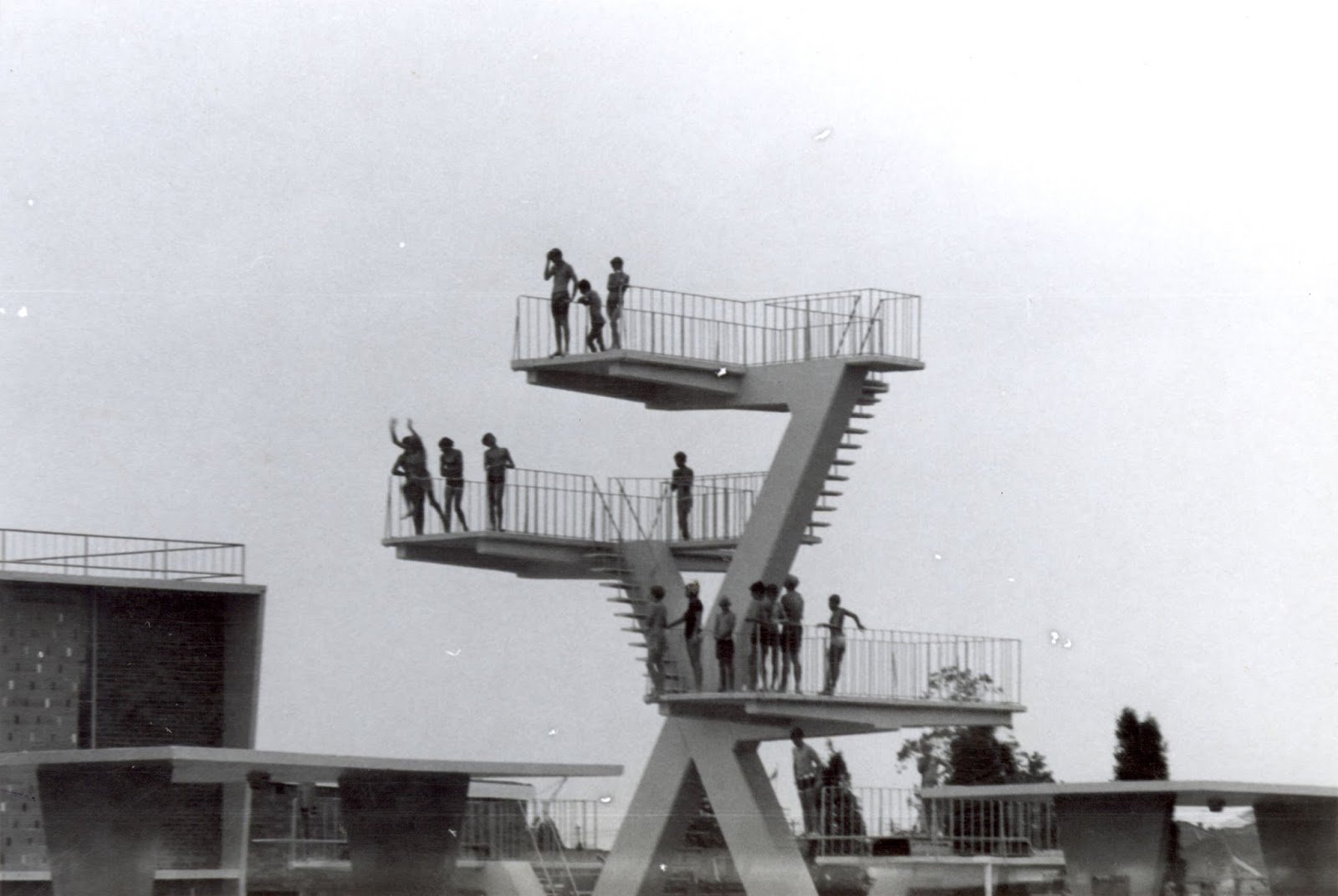 Fibreglass swimming pool construction port macquarie freeform style - The Diving Tower Ruth Everuss Aquatic Centre Source Cumberland Council Library Service