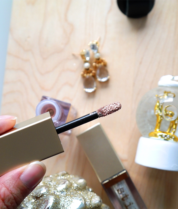 Detail shot of the sponge-tip applicator for Stila Glitter & Glow Liquid Eye Shadows