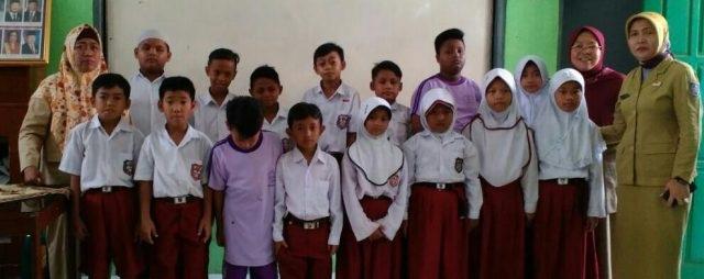 Muharaman, SDN Mekarjaya 13 santuni 17 siswa yatim