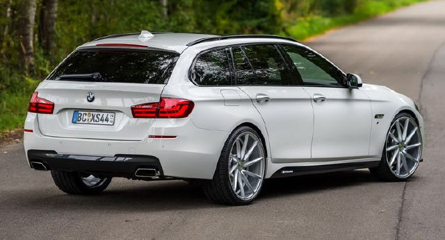 2017 New Series BMW 5 Touring M5 And Gt MOdels On Drive back view