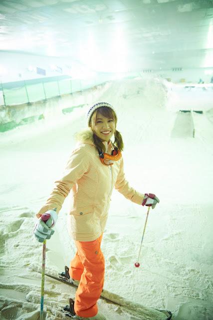 Hisamatsu Ikumi 久松郁実 SNOW ROMANCE Images 11