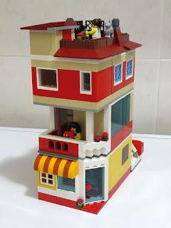 LEGO moc - edificio con minimarket