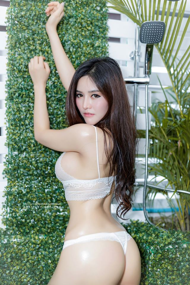 Blue-Jirarat-hot-sexy-boobs-thai-girl-3.jpg