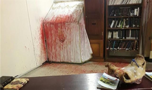 El vandalismo de la tumba de Rabi Najman (foto: Rab Israel Elhadad)