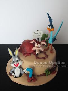 Bolo de aniversário Looney Tunes