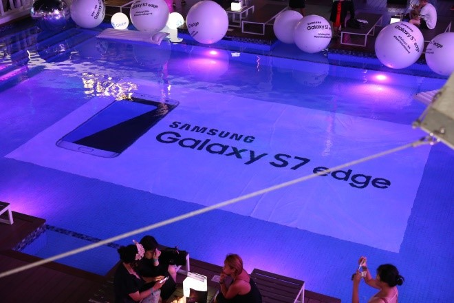 The Samsung Galaxy S7 edge makes a splash at The Palace Pool Club's Anniversary Party