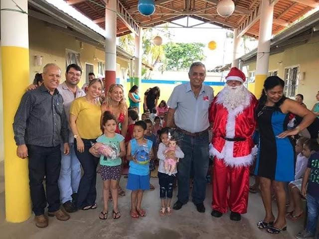 Senador Canedo: Crianças da rede municipal recebem presentes