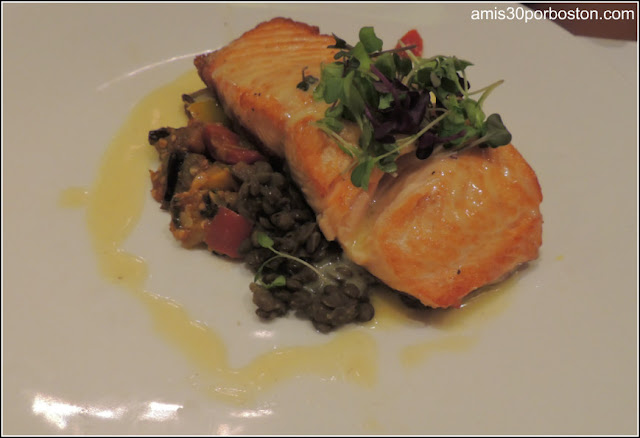Parker's Restaurant: Oven Roasted Salmon