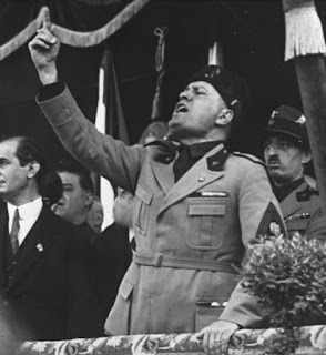 Mussolini addressing a rally in Milan at around the time Schirru was arriving in Italy