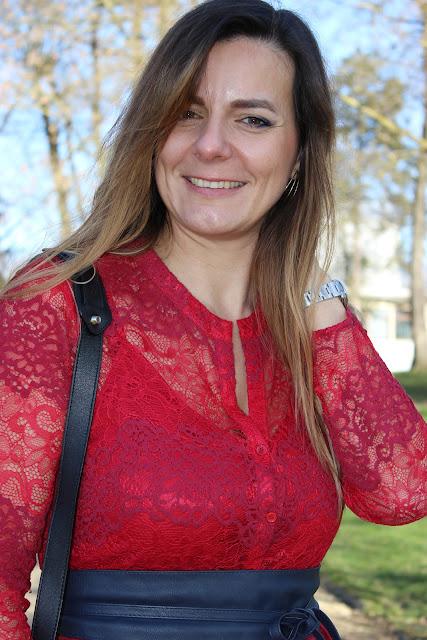 inspiration st valentin, robe maje rouge, escarpins cosmoparis les petites bulles de ma vie