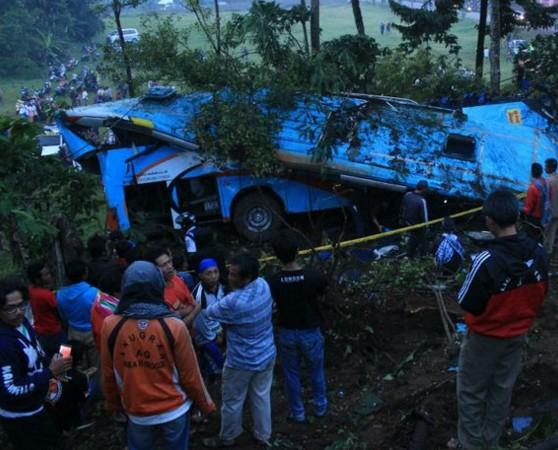 kecelakaan bus rosalia indah di bayeman