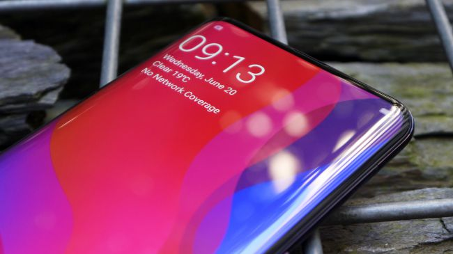 Oppo Find X Curved Screen that resembles the Samsung Galaxy S9