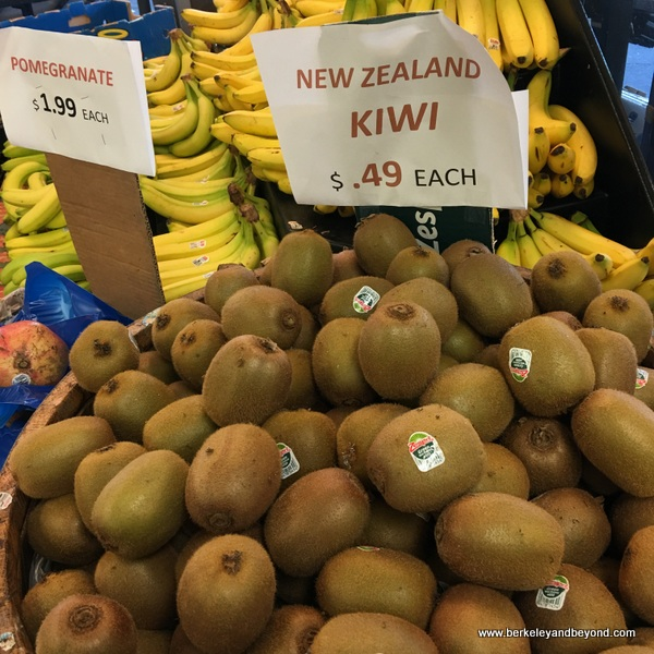 kiwi and bananas at Dean's Produce in Millbrae, California