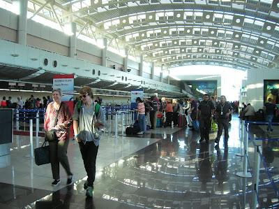 Aeropuerto de Juan Santamaría, San José, Costa Rica, vuelta al mundo, round the world, La vuelta al mundo de Asun y Ricardo, mundoporlibre.com