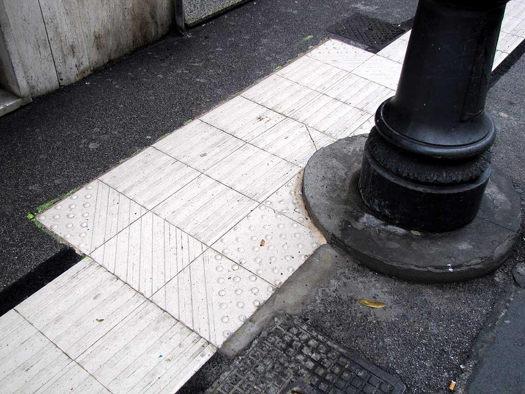 Livorno una foto al giorno: percorso tattile