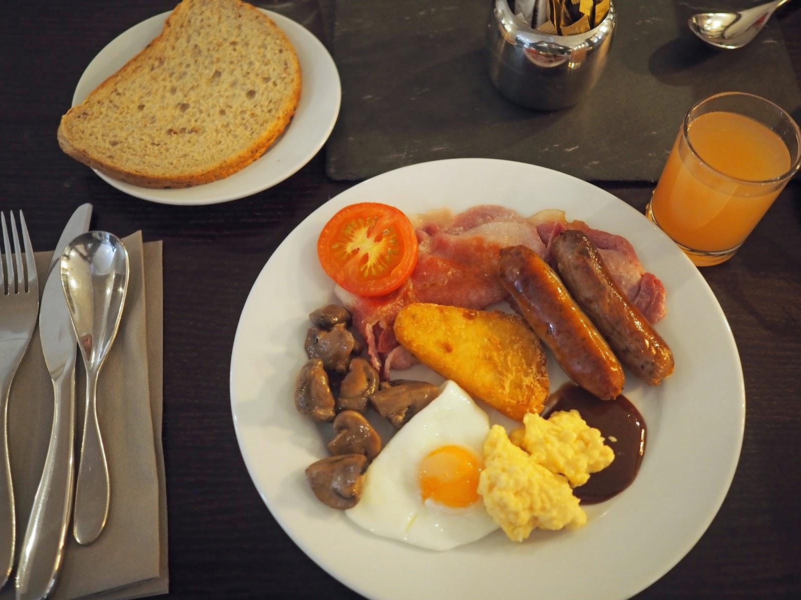 Cooked breakfast buffet, York city centre hotel, York. Monkbar