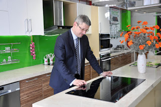 Bếp từ toàn vùng nấu Freezone Induction Cooktop FS 960TS: đột phá công nghệ đỉnh cao từ Ý
