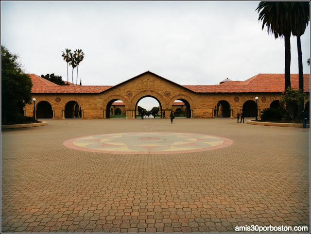 Universidad de Stanford Inner Quad Courtyard