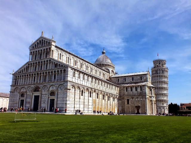 plaza del Duomo en Pisa