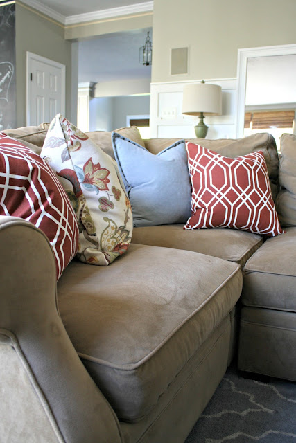 Basic pillow sewing tutorial -- it's easier than you think!