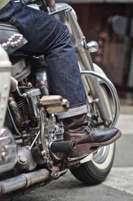 2014年にホースハイドを用いて製作された、ウエスコジャパン限定のホースハイドナローウエスコエンジニアブーツ。履き手であるお客様をモデルに起用。