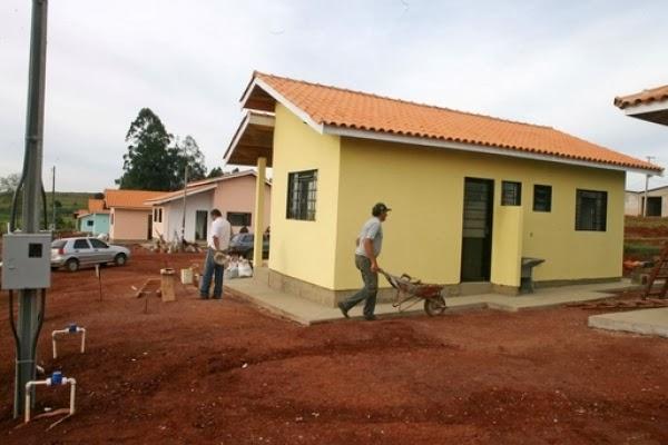 Resultado de imagem para igreja investe dízimos em construção de moradias