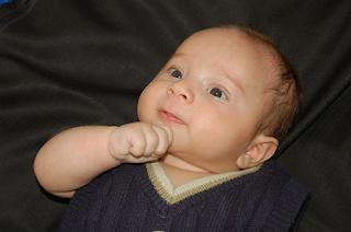 Foto Bayi Lucu Yang Gemesin Banget