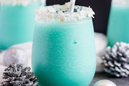 Blue Coconut Cocktail #Cocktail #Drinks