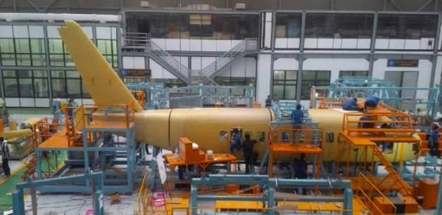 Gambar melihat proses pembuatan pesawat N19