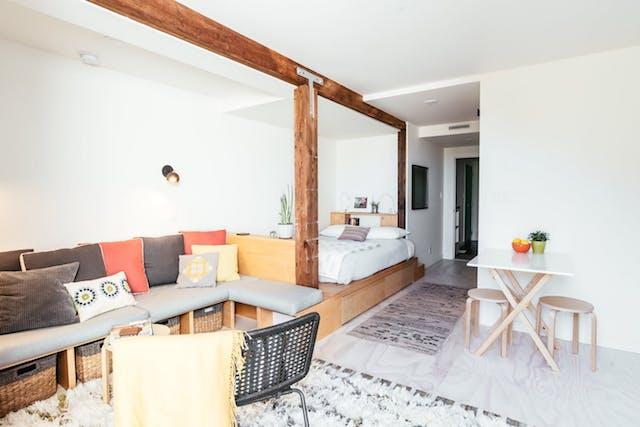 Cómo reformar un garaje para convertirlo en hogar, el salón, dormitorio y cocina