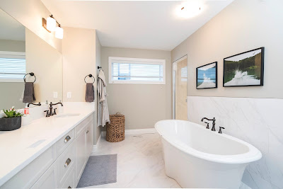 Jak zadbać o białe szafki w łazience?