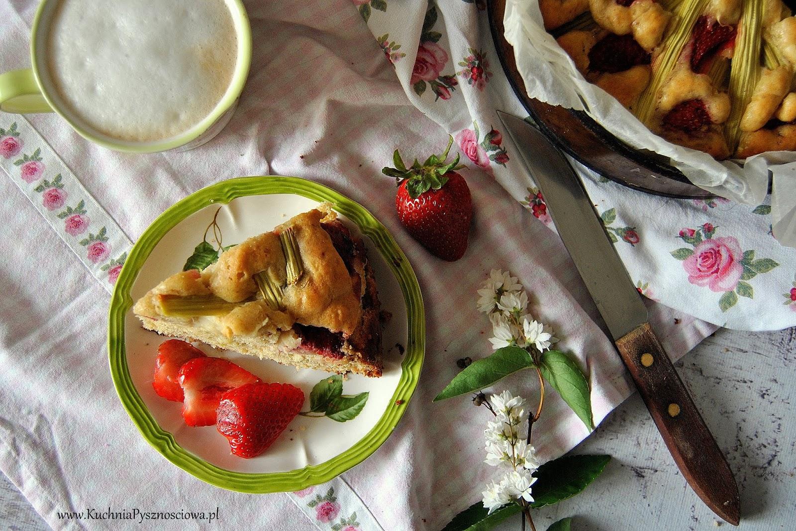 608. Ciasto z rabarbarem, truskawkami i białą czzekoladą