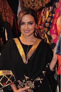 Bollywood Actress Sana Khan Launches Aakrithi Exibition  0129.JPG