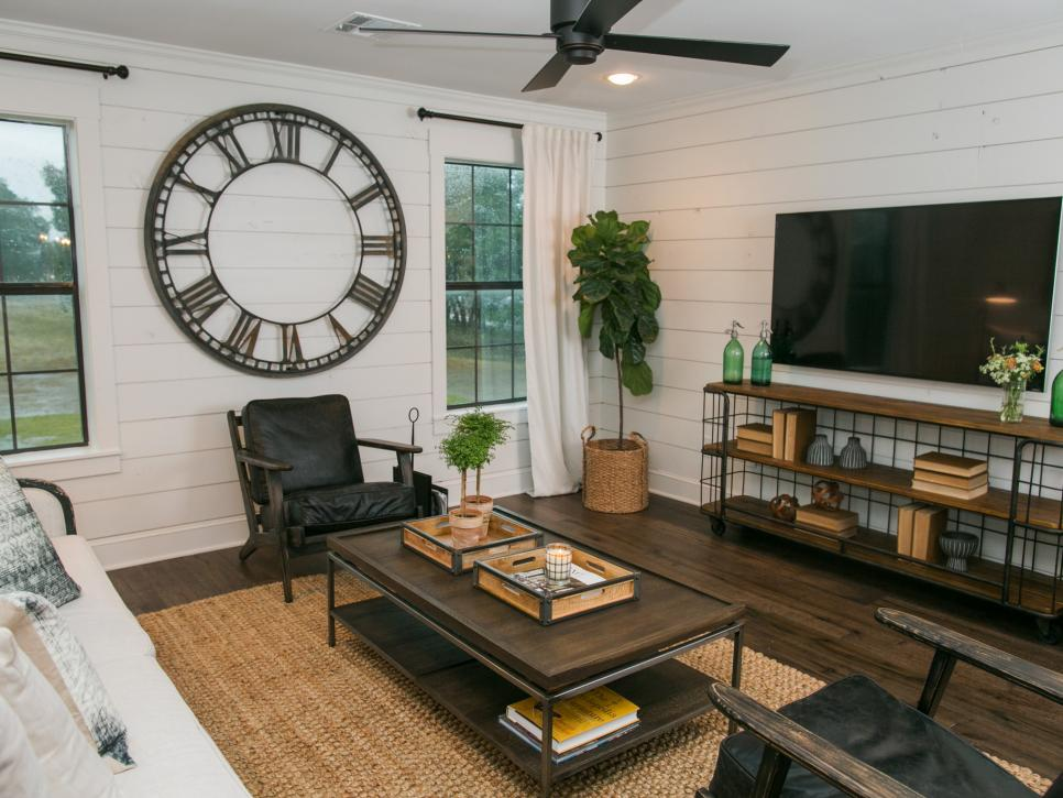 Living Room Makeover: Tips For Decorating Around The TV From Thrifty Decor Chick