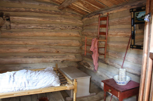 A peek inside 1830's life at Apple River Fort in Illinois.